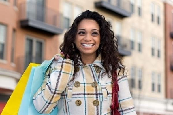 Ismerje meg a havi kontaktlencsék előnyeit, tulajdonságait.