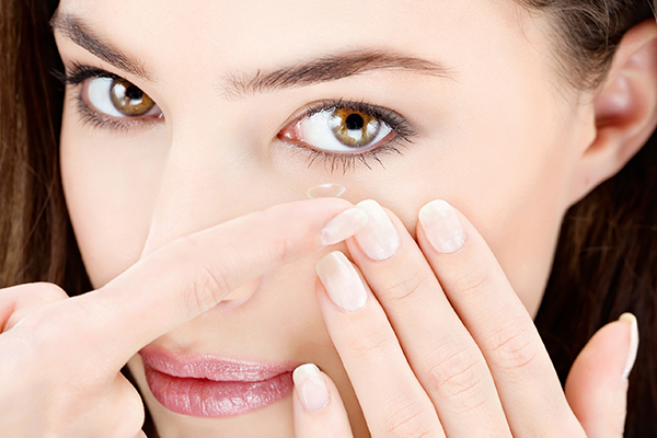 A napi kontaktlencsék előnyei